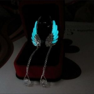 ⭐️ New list! ⭐️Luminous wing ear-cuffs